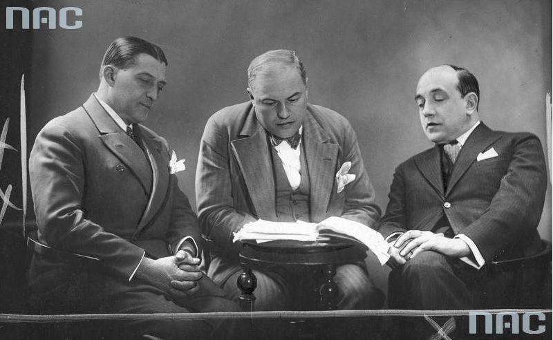 Zygmunt Zaleski, Stanisław Czapelski i Leon Schiller, 1930, fot. Narodowe Archiwum Cyfrowe / www.audiovis.nac.gov.pl