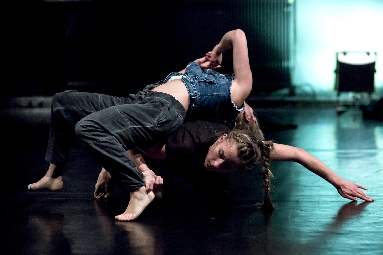 """Scena z przedstawienia """"Enclave 4/7"""", fot. Teatr Wybrzeże"""
