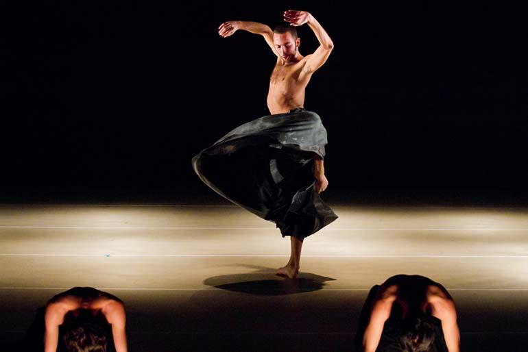 podpis: Kibbutz Contemporary Dance Company – If At All, fot. Uri Nevo, materiały prasowe
