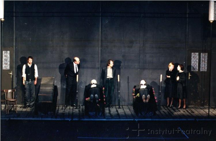 """Zdjęcie z przedstawienia """"Wymazywanie"""", fot. Instytut Teatralny"""