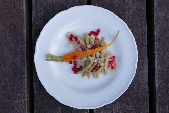 Yellow vegetable plate prepared by Maksut, photo: IAM