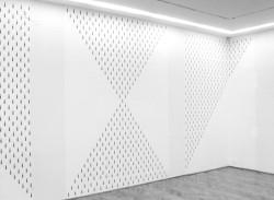 """""""i"""" wystawa w galerii Foksal, 1997"""