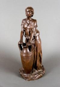 Kobieta z urną brąz dzięki uprzejmości Muzeum Narodowemu w Krakowie