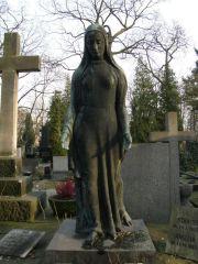 Postać Smutku na nagrobku rodziny Brühlów na Cmentarzu Powązkowskim w Warszawie, brąz, ok. 1930, fot. Paweł Freus