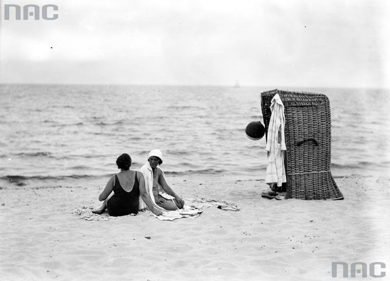 Пляж на Балтийском море, 1930-е годы. Фото: Национальный цифровой архив
