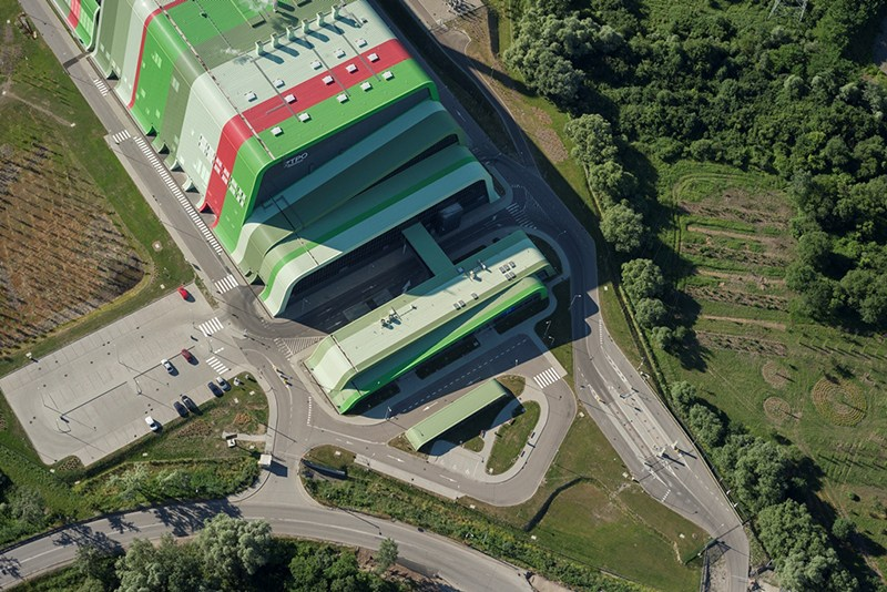 The Thermal Waste Treatment Plant in Kraków (ZTPO), designed by Jakub Baczyński (PROCHEM S.A.), Michał Teller (Teller Architekci), Filip Łapiński (Łapiński Architekci), Bogusław Wowrzeczka (Manufaktura nr 1), photo: press materials of Prochem S.A.