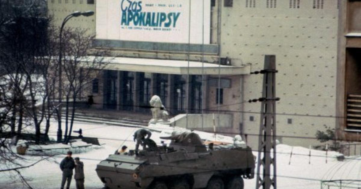 Znalezione obrazy dla zapytania zdjęcie stan wojenny czas apokalipsy