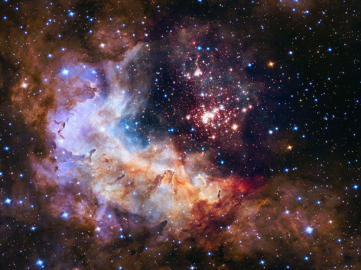 Kosmos pełen widocznych z oddali gwiazd