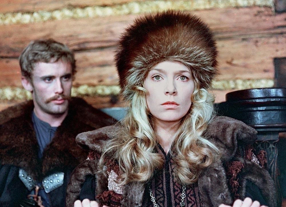 """Małgorzata Braunek i Daniel Olbrychski w filmie w filmie """"Potop"""", reż. Jerzy Hoffman, 1974, fot. Polfilm /East News"""