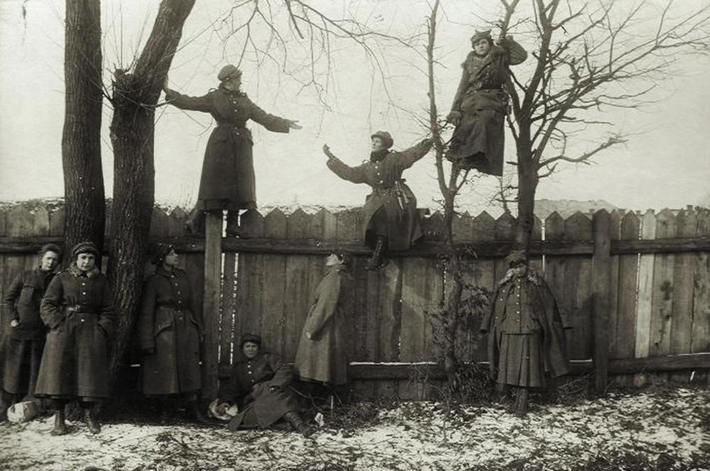 Тренування відділу польського Добровільного Жіночого Легіону в околицях Львова, 1919. Фото: Muzeum Wojska Polskiego