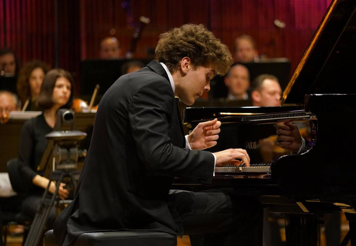 Pianist Szymon Nehring Wins Prestigious Arthur Rubinstein