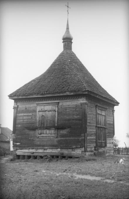 Drewniana kaplica, Polesie, 1936, fot. szukajwarchiwach.gov.pl