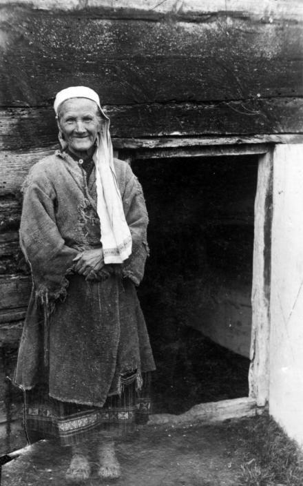 Mieszkanka powiatu stolińskiego, Polesie, 1935, fot. szukajwarchiwach.gov.pl