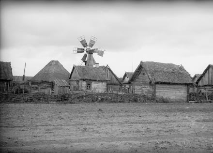 Wiejskie zabudowania, Polesie, 1936, fot. szukajwarchiwach.gov.pl