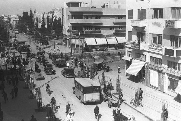 Ulica Allenby w Tel Awiwie, 1922, fot. Wikimedia.org
