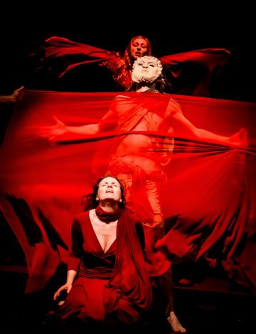 """Scena z przedstawienia """"Oratorium Pytyjskie"""", fot. Krzysztof Bieliński"""