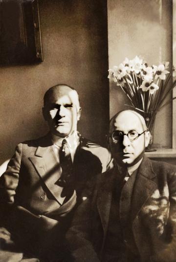 Jarosław Iwaszkiewicz i Antoni Słonimski, 1934, Dania, Kopenhaga., fot. z archiwum Muzeum w Stawisku/FOTONOVA