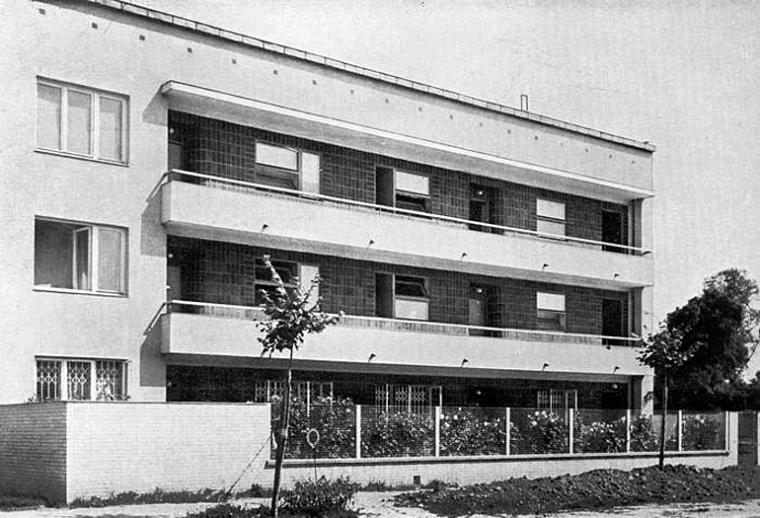 Galeriowy dom Wacława Lacherta przy ul. Francuskiej 12 w Warszawie. Zrealizowany projekt B. Lacherta i J. Szanajcy. Zniszczony w czasie wojny i odbudowany, fot. domena publiczna