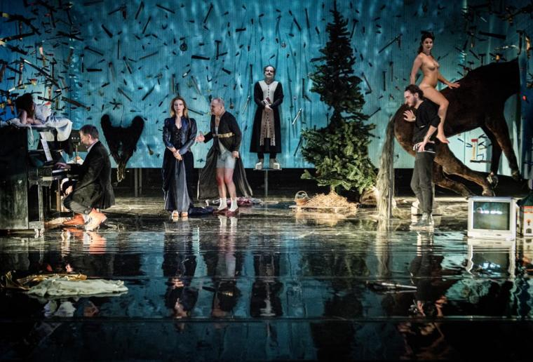Scene form The Towianists: Kings of the Clouds directed by Wiktor Rubin, photo: Magda Hueckel / National Stary Theatre