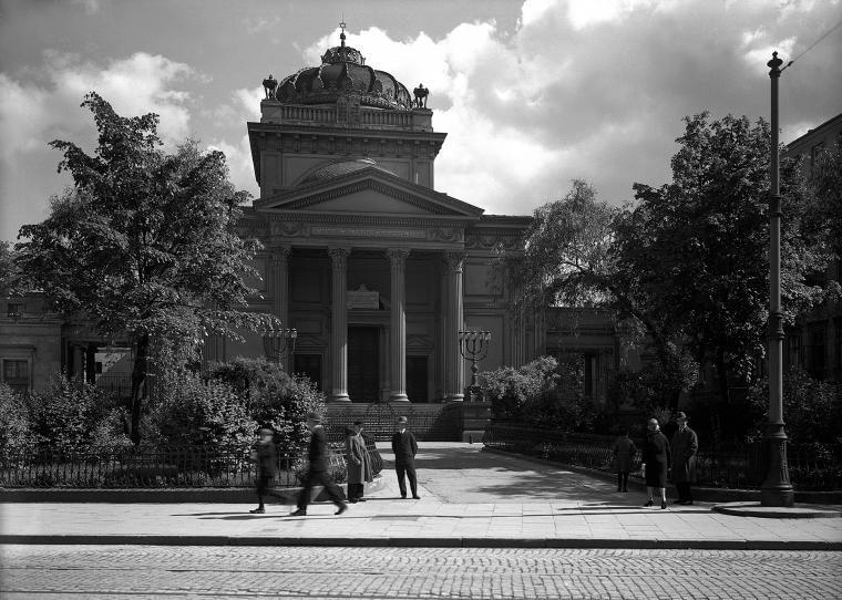 warszawa._wielka_synagoga_przy_tlomackiem.jpg