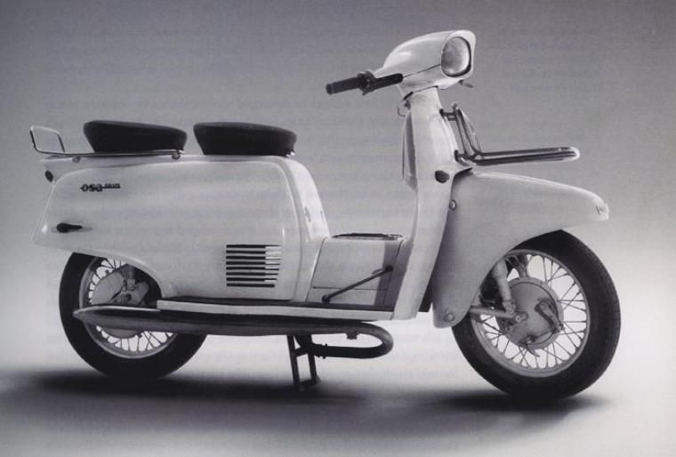 """Jan Andrzej Wróblewski, """"Osa M55"""", scooter, co-designers: Elżbieta Dembińska and Cezary Nawrot, for the Warsaw Motorcycle Factory, 1961, photo: private collection"""