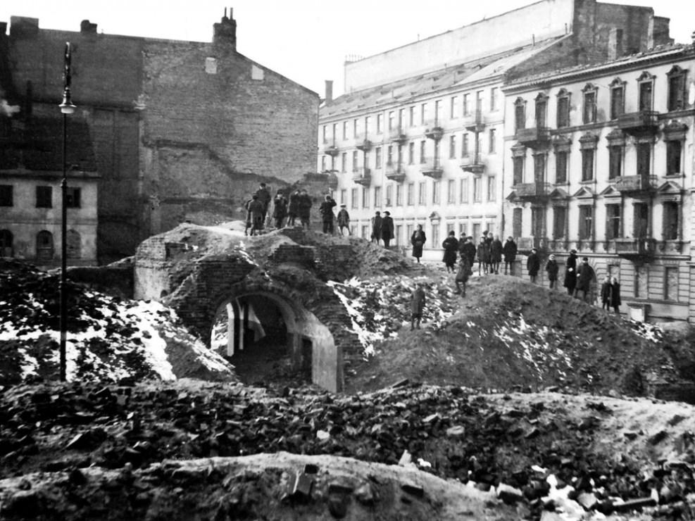 Руины послевоенной Варшавы, 1946, фото предоставлено организаторами