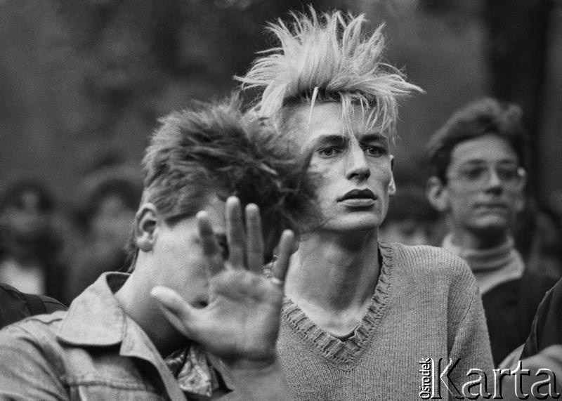 29 lipca–2 sierpnia 1986, Jarocin. Festiwal rockowy, fot. Wojciech Druszcz / Ośrodek KARTA