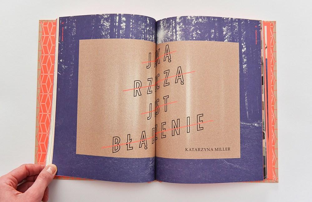 """Rozkładówka z książki """"Błądzić jest rzeczą"""", projekt: Magdalena Burdzyńska, fot. dzieki uprzejmości BWA"""