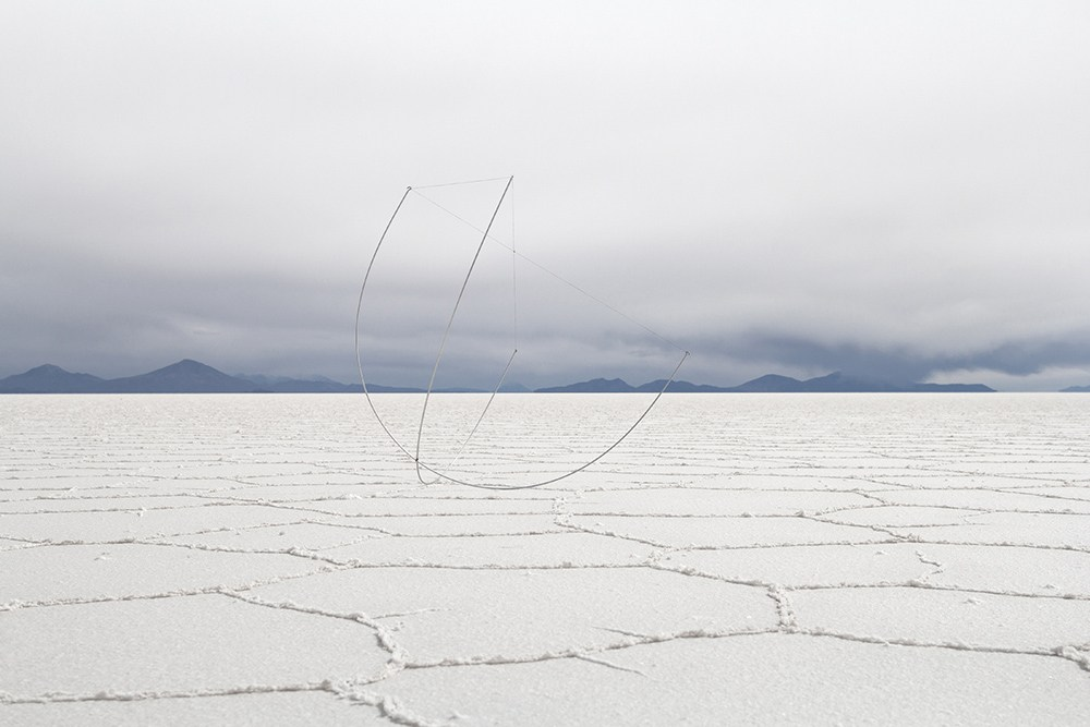 """Michał Smandek, """"Szkielety"""", Salar de Uyuni, Boliwia, 2016, fot. dzięki uprzejmości galerii Rodríguez"""