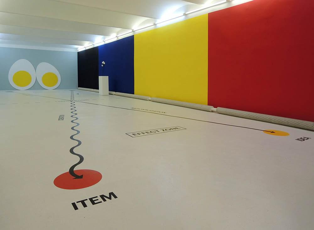 """""""Four Eggs Theory"""", widok wystawy: """"Four Eggs Theory"""", Futura Gallery, Praga 2015"""