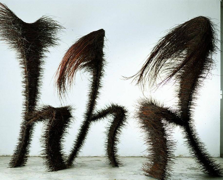 """Dorota Koziara, """"12 Angeli"""", rzeźba, instalacja, Toskania, Włochy, fot. Ramak Fazel"""