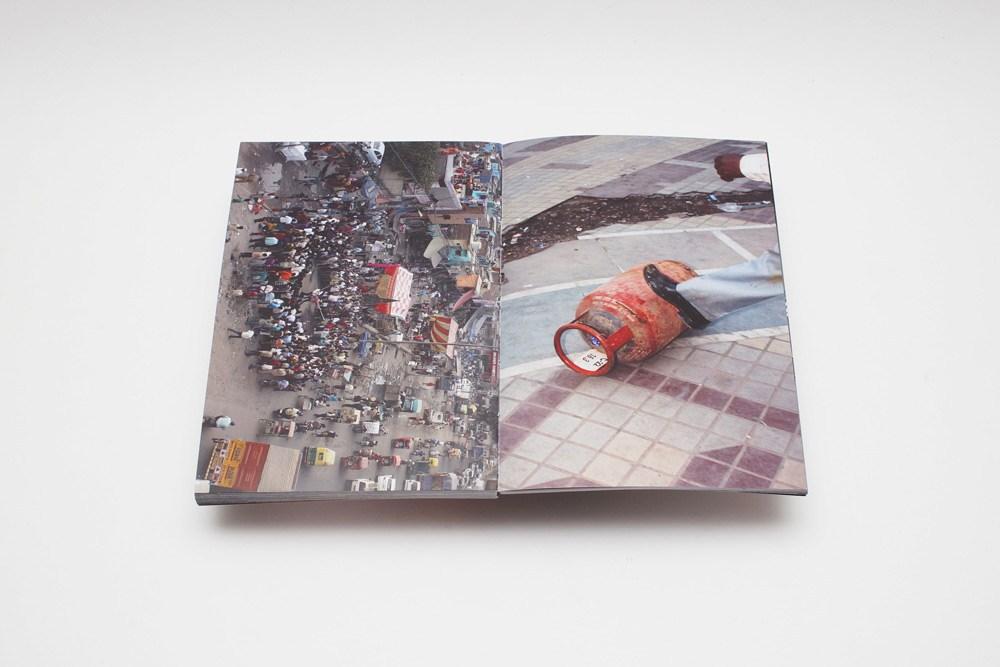 """Jedna z rozkładówek albumu """"317 days to Mars"""" Macieja Jeziorka, fot. dzięki uprzejmości artysty"""