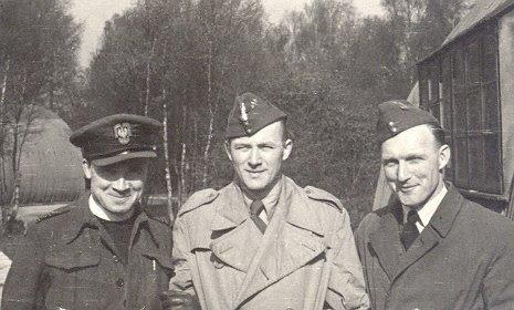 Англия, Ян Новак-Езераньский с командиром воздушной дивизии, 1944. Фото: материалы Музея эмиграции в Гдыне