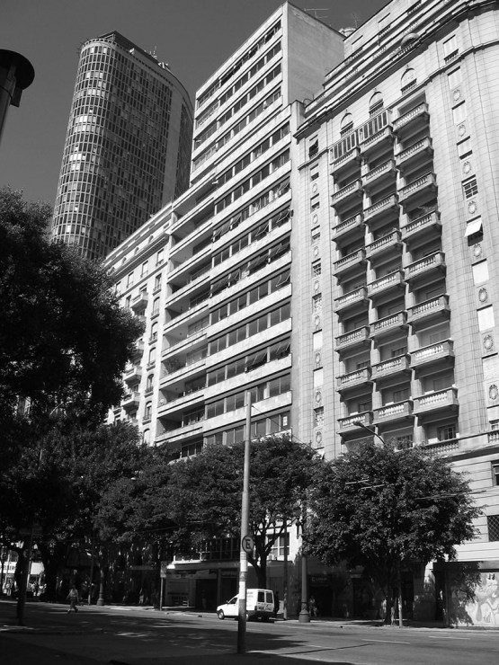 Lucjan Korngold's Edifício Intercap in São Paulo, 1952-1956, photo originally from the architect's archives. Used in Grzegorz Rytel's book Lucjan Korngold: Warszawa - São Paulo 1897–1963, published by Salix alba, Warsaw 2014.