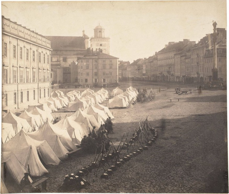 Partition or occupation? Russian soldiers in Warsaw's Royal Square in 1861, Photo: Karol Beyer.  Source: National Museum in Warsawe w Warszawie.