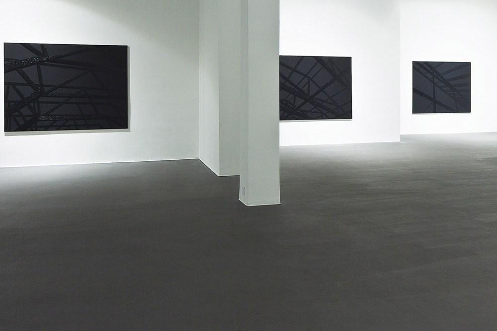Jakub Ciężki, blackout – exhibition view, Bielska Gallery BWA 2013, photo: Krzysztof Morcinek