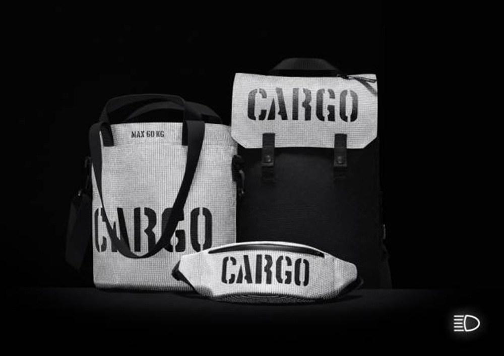 """Kolekcja toreb i plecaków """"Cargo Reflective"""", projekt: CARGO by OWEE / Anna Migacz-Lesińska, fot.  Filip Żołyński"""