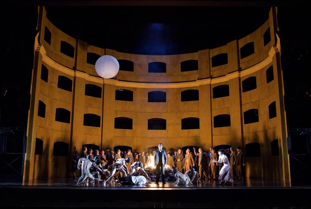 "Scena z przedstawienia ""Król Roger"", reżyseria: Kasper Holten, 2015, fot. Bill Cooper / The Royal Opera"