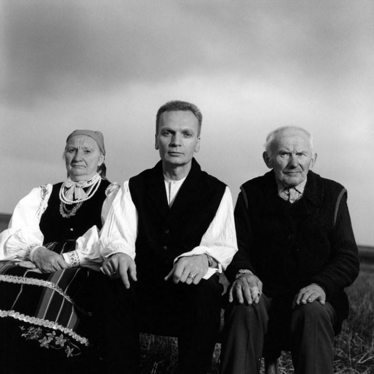 Grzegorz Ciechowski (w środku), 1996, fot. Andrzej Świetlik / Forum