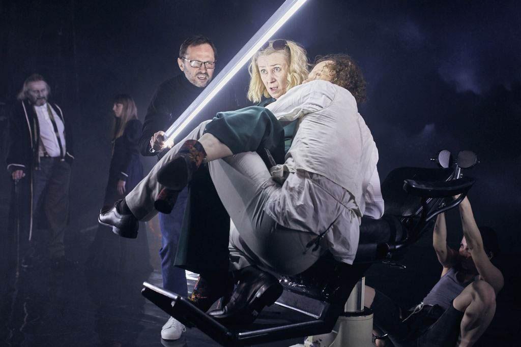 A scene from 'The Darkness' by Paweł Demirski and Monika Strzępka, 2018, photo: Bartek Sadowski/Stefan Żeromski Theatre in Kielce