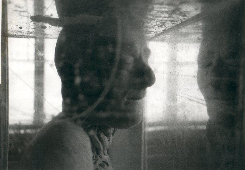 """Konrad Kuzyszyn, fotografia z cyku """"Exi(s)t"""", 1988-89, fot. dzięki uprzejmości artysty"""
