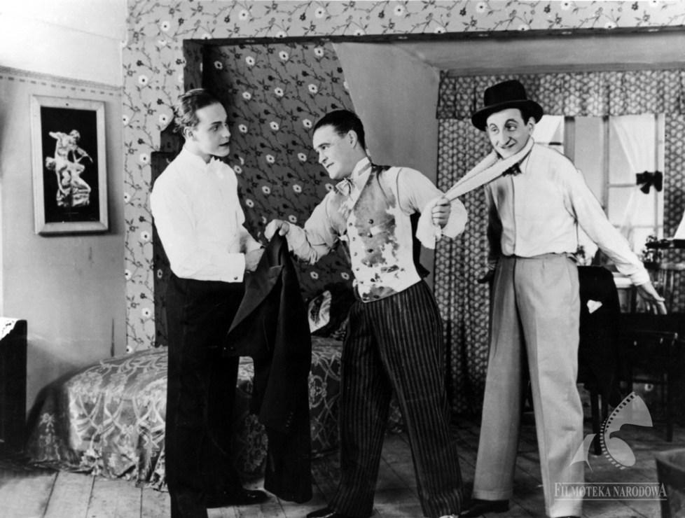 """Kadr z filmu """"Janko Muzykant"""" w reżyserii Ryszarda Ordyńskiego, 1930, fot. Filmoteka Narodowa / www.fototeka.fn.org.pl"""