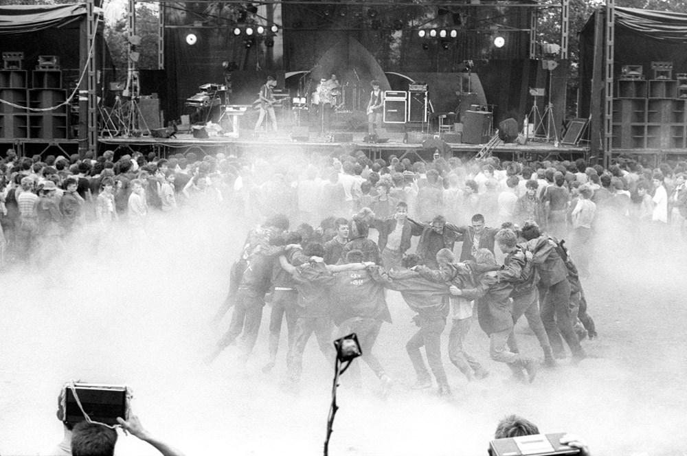 Jarocin, 1986, punki tańczą pogo, fot. Krzysztof Wójcik/Forum