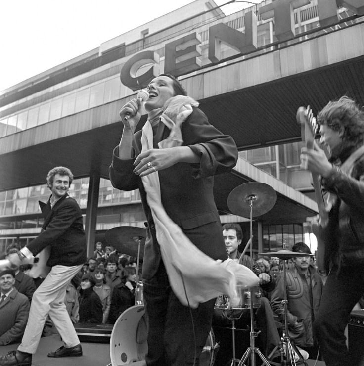 Группа «Мaanam» на съемочной площадке фильма «Большая маёвка», 1980, Варшава. Фото: Ежи Косник / Forum