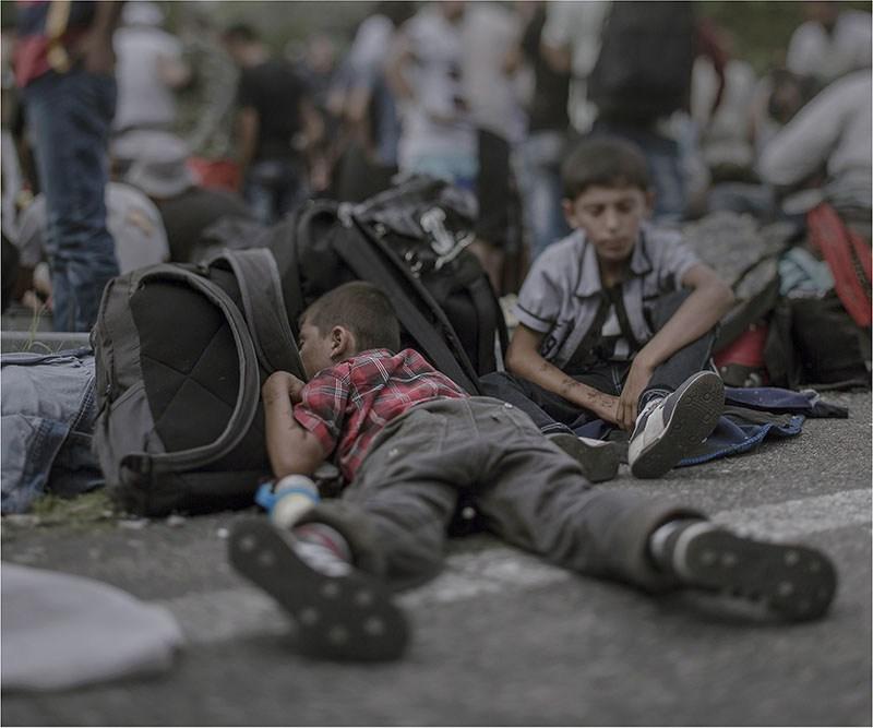 """Magnus Wennman, """"Tam, gdzie śpią dzieci"""", wystawa """"Displaced"""", Wystawa """"Where the Chilrden Sleep"""" jest prezentowana przy ścisłej współpracy z Fotografiska, the Swedish Museum of Photography, Fotofestiwal 2016"""