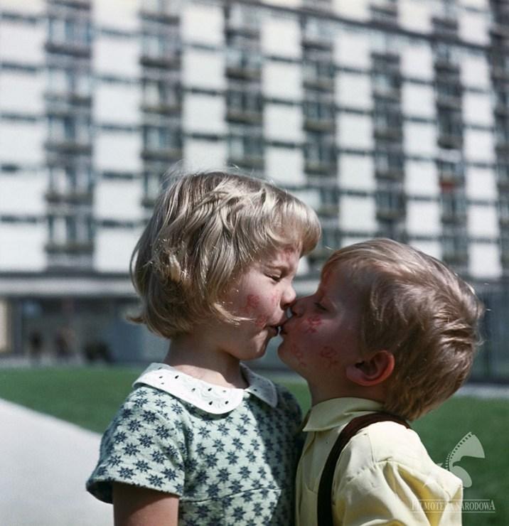 Still from I Don't Like Mondays dir. by Tadeusz Chmielewski, 1971, photo: Studio Filmowe Kadr /Filmoteka Narodowa/www.fototeka.fn.org.pl