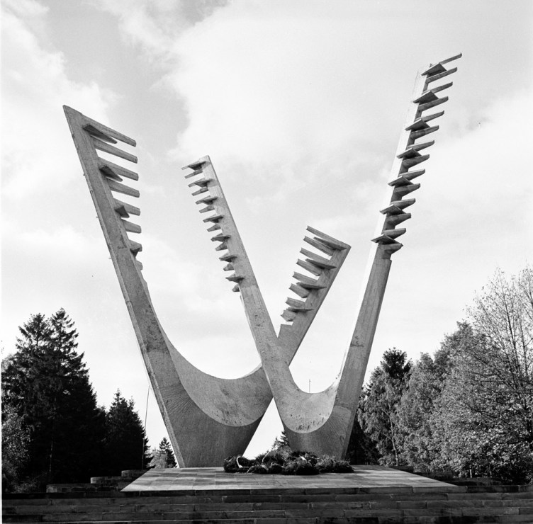 Monument of Brothers in Arms in Szczecin, unveiled in 1967, designed by Sławomir Lewiński, photo: Andrzej Witusz / PAP