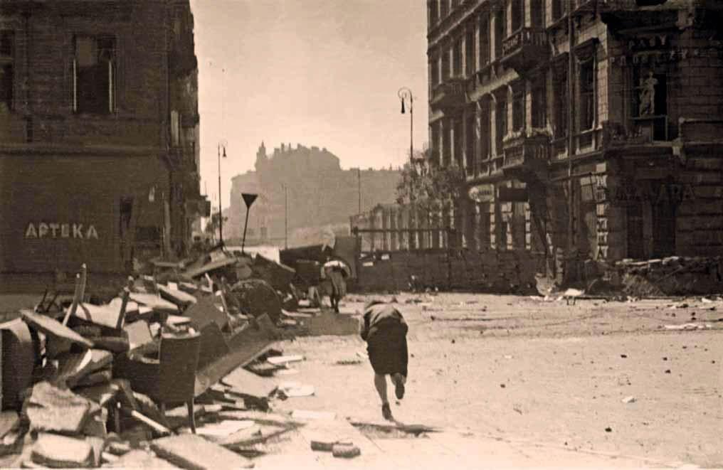 "The first days of August 1944, photo: Stefan Bałuk ""Kubuś"""