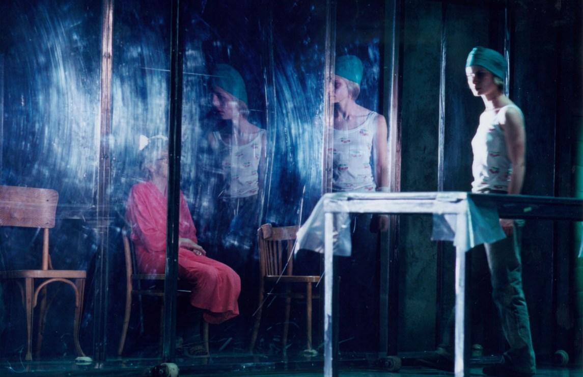 Scene from the play 4.48 Psychosis, dir. Grzegorz Jarzyna , photo: Stefan Okołowicz/ TR Warszawa