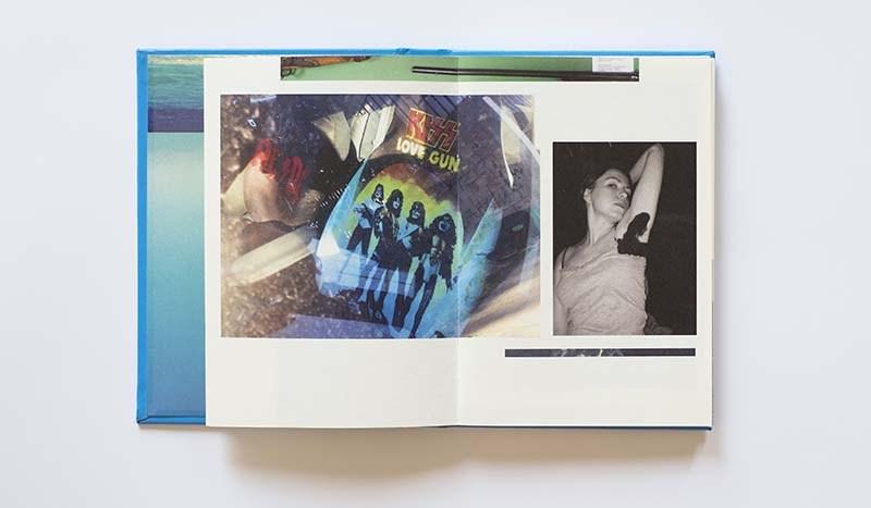 """Rozkładówka z książki """"Random Selection"""" Magdy Buczek, projket graficzny: Emilia Obrzut (Obszar Roboczy), 2016, fot. Eliza Dunajska i Max Zieliński"""
